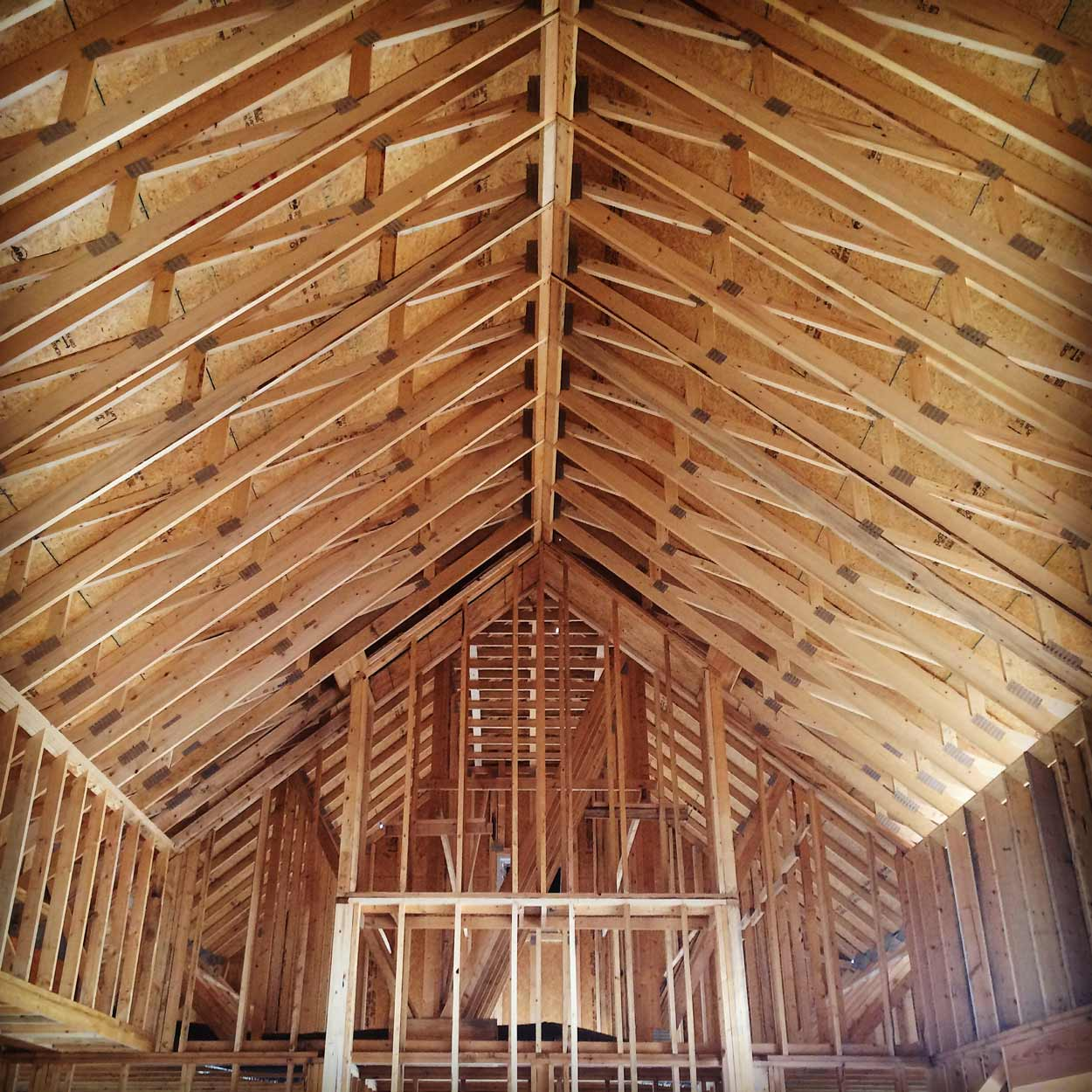 New Modern Farmhouse 3 - Vaulted Truss Progress