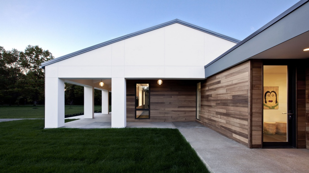 New Modern House Ditch - Side Porch from Auto Court - Christopher Short, Architect, Indianapolis, HAUS Architecture