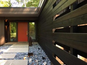 Mid Mod Entry Wall Midcentury Modern Renovation 2 - Outside In Entry Wall - Christopher Short, Architect, Indianapolis, HAUS Architecture (A2 Design)