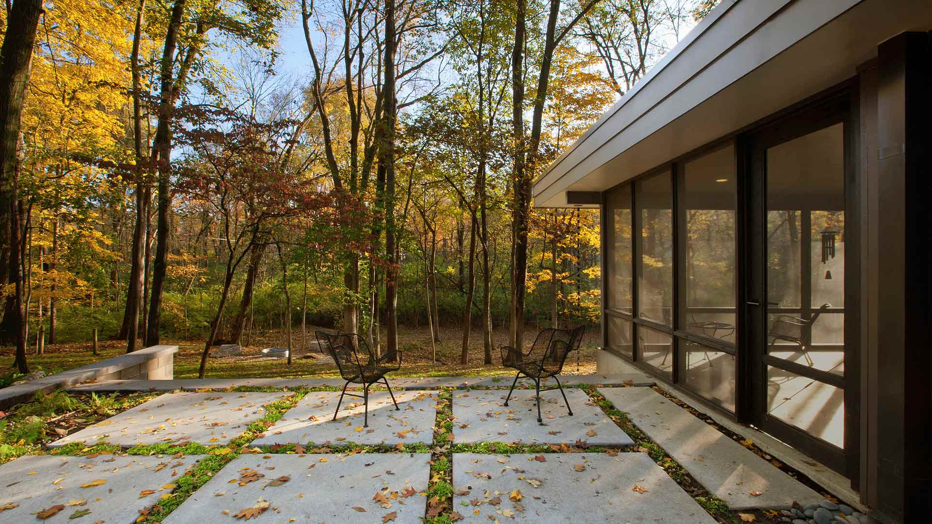 Private Backyard Terrace Garden, Rain Chains, Screened Porch, Wooded site, Midcentury Modern Renovation - 81st Street - Indianapolis, Christopher Short, Architect, HAUS Architecture