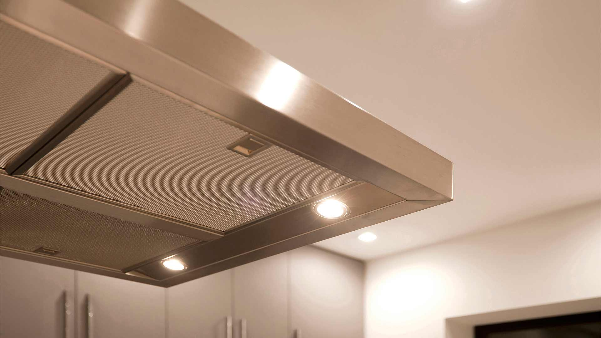 Floating stainless steel kitchen range hood detail - Minimalist Modern - Indian Head Park - Chicago, Illinois - HAUS | Architecture For Modern Lifestyles, Christopher Short, Indianapolis Architect with Joe Trojanowski
