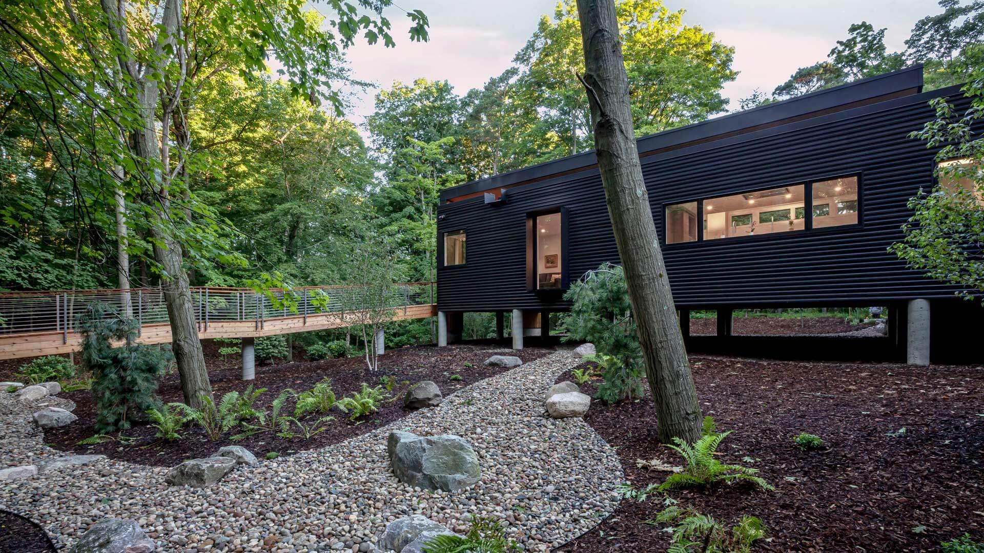 South Entry Garden - Bridge House - Fenneville, Michigan - Lake Michigan - HAUS | Architecture For Modern Lifestyles